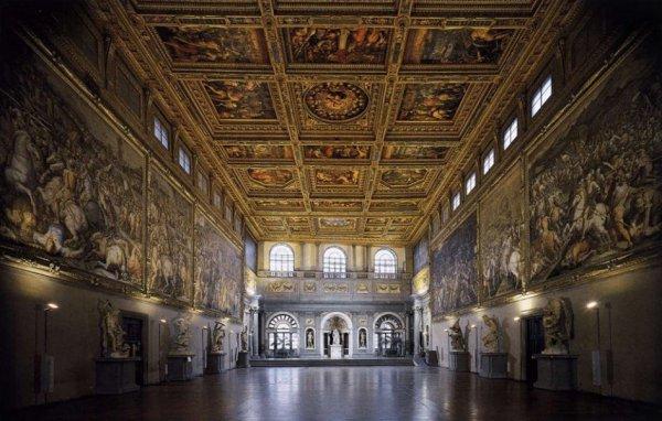 Palazzo Vecchio In Florence  Italy And Piazza Della Signoria